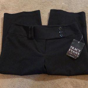 Size 9 Tracy Evans Black Dress Knee Shorts. NWT